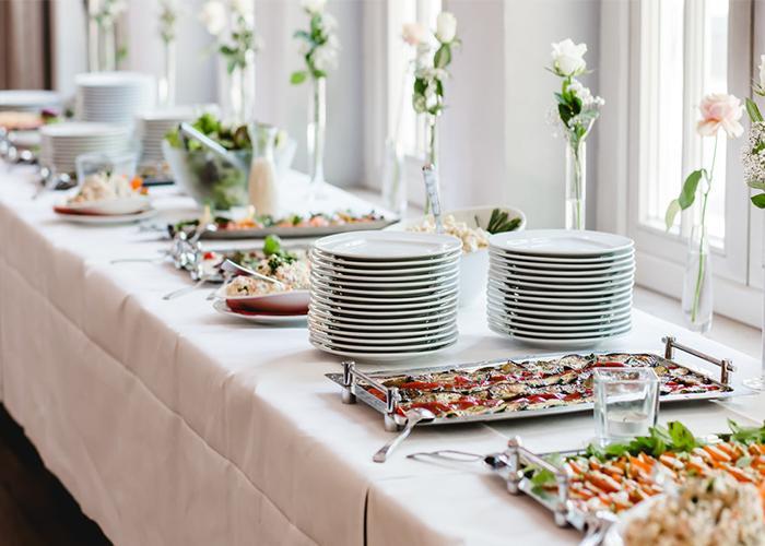 Hưởng trọn niềm vui khi đặt tiệc buffet quận Tân Phú